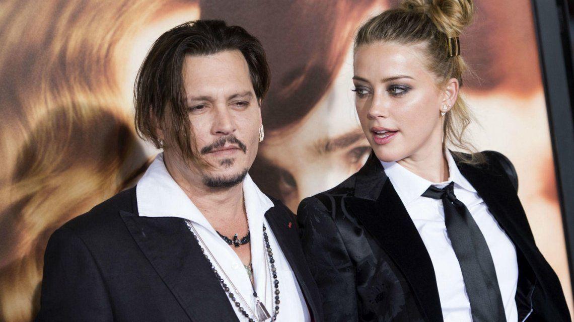Johnny Depp acusa a Amber Heard de haberle apagado un cigarrillo en la cara