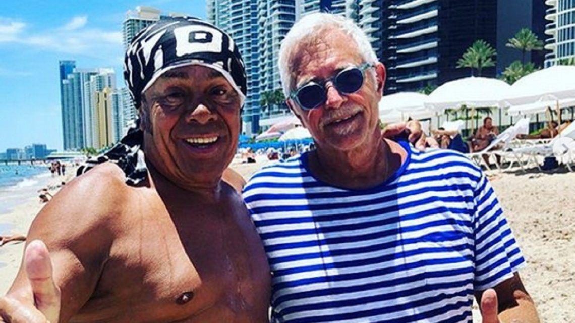La Mona Jiménez sigue sumando fans: el Dj Mark Gorbulew lo reconoció y se sacó una foto con él