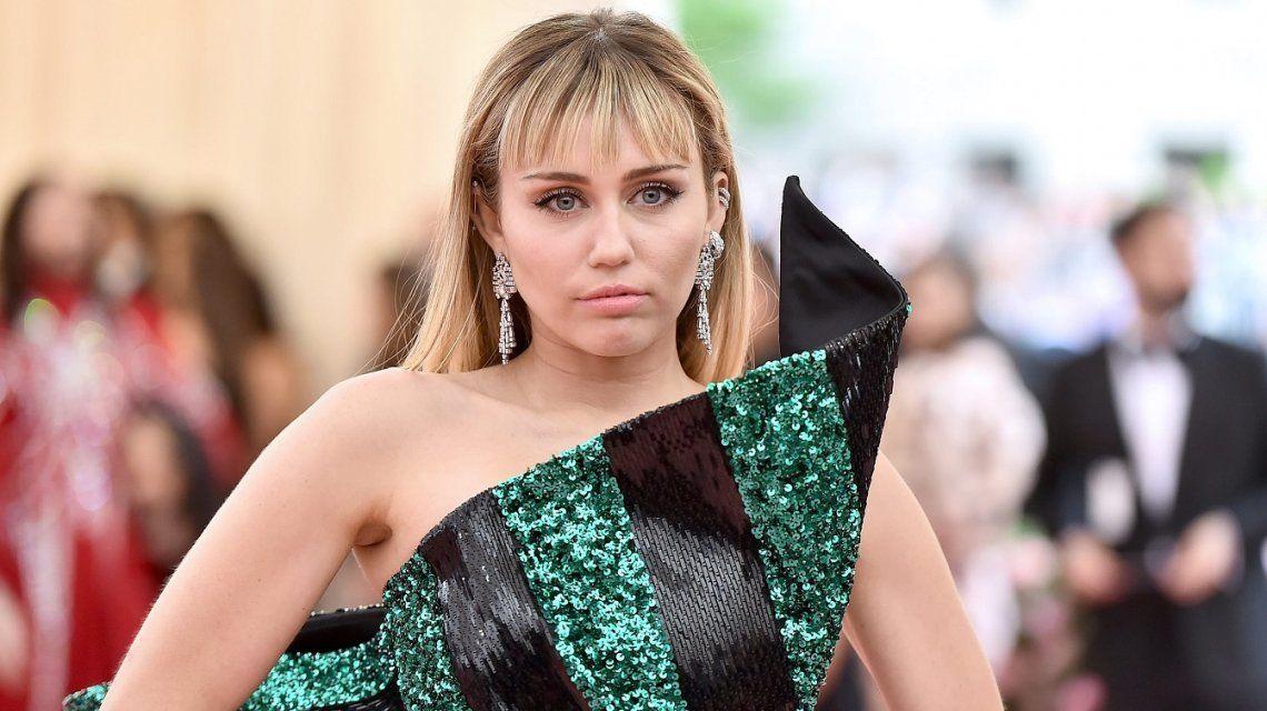 VIDEOS: el baile más sensual de Miley Cyrus