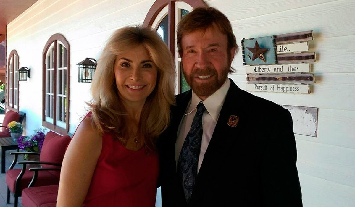 Chuck Norris dejó el cine para cuidar a su esposa enferma