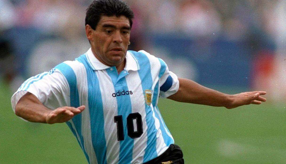 Maradona, firme contra Claudia Villafañe por sus camisetas: Siguen sin devolverme lo que me robaron