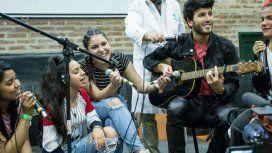 Sebastián Yatra cantó con los chicos de la Villa 31