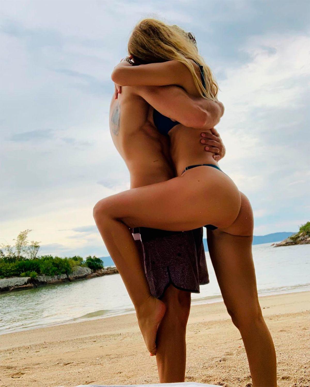 El viaje de Luciano Castro y Sabrina Rojas, divertidos y hot en la playa