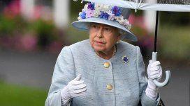 La mujer detrás del look de la reina Isabel II