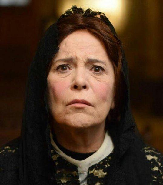 Leonor Manso representando a la mujer en la época del Virreinato