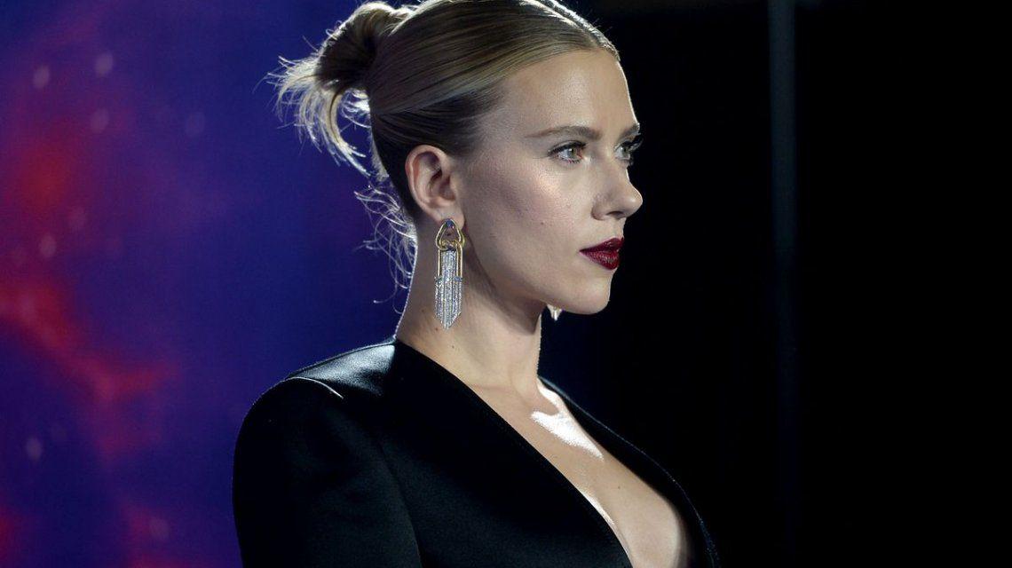 La foto con barriga de Scarlett Johansson que generó indignación