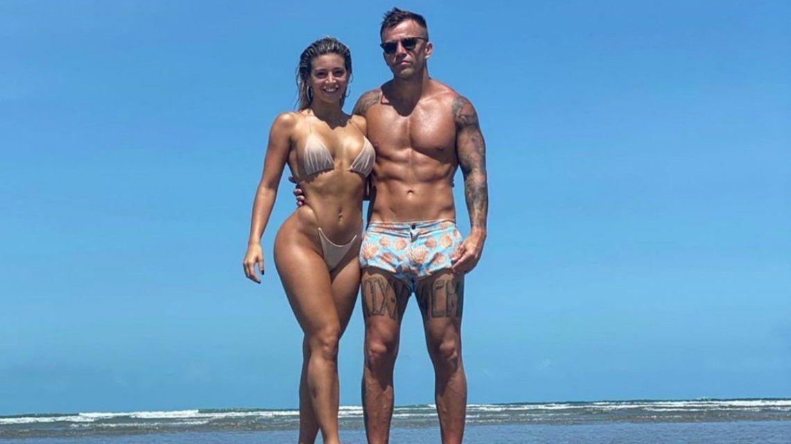 Sol Pérez y su novio: cuerpos esculturales y amor en las playas de Brasil