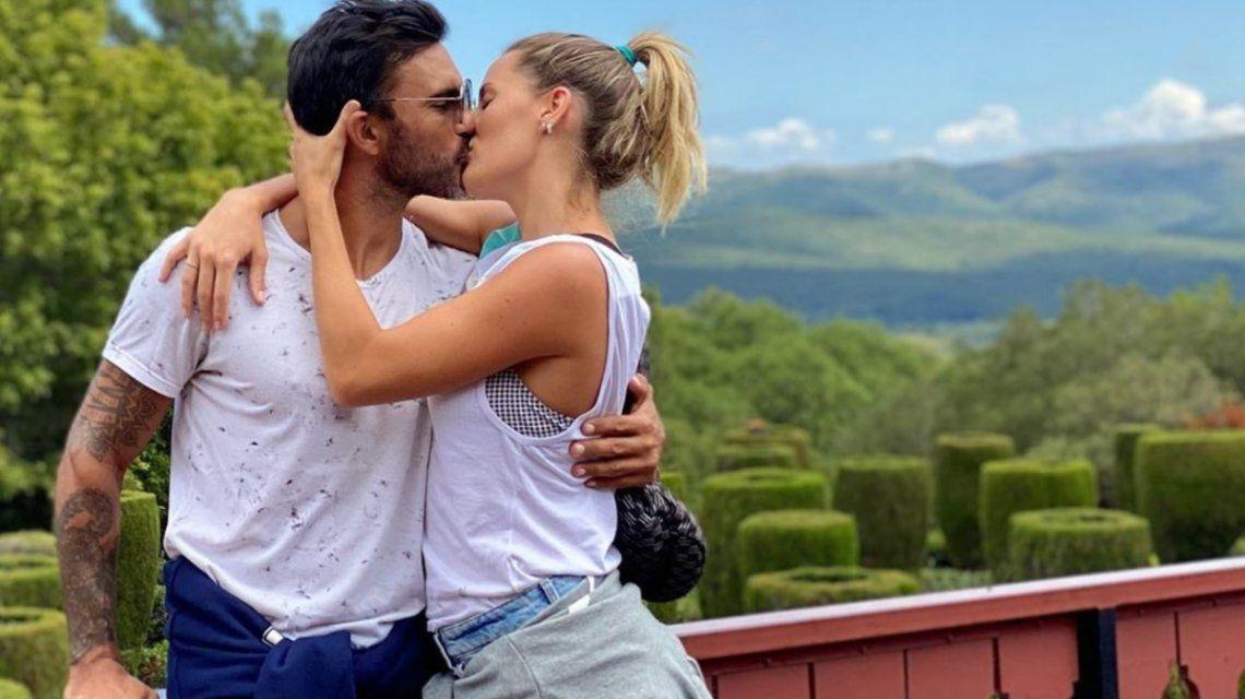 Topless, pasión y amor: la sensual tapa de Mica Viciconte y Poroto Cubero