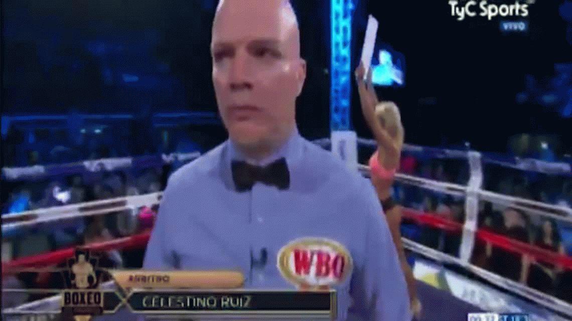 VIDEO: Así posaba Sol Pérez como ring girl en la pelea de Omar Narváez