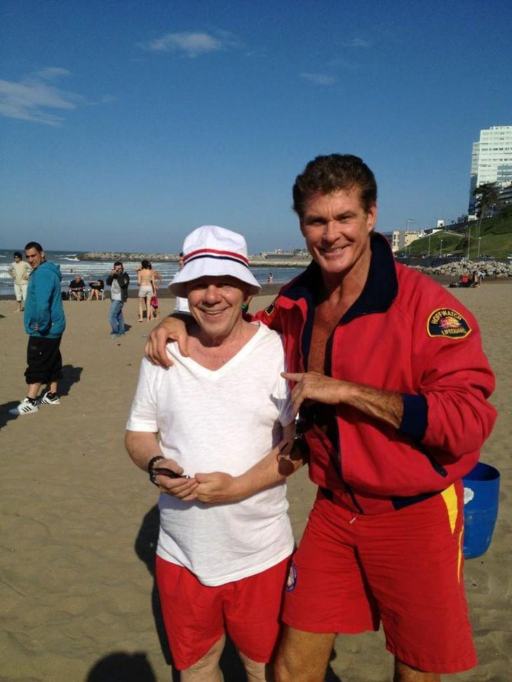David Hasselhof y Emilio Disi, dos bañeros en las playas de Mar del Plata