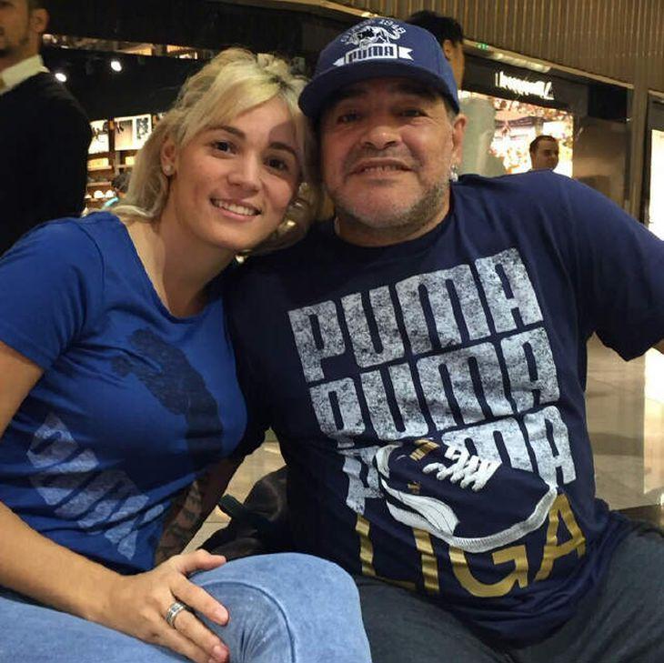 Maradona gastó 200 mil dólares para festejar el Día de los enamorados con Rocío Oliva