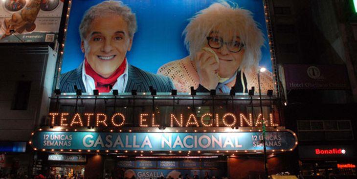 La marquesina de Antonio Gasalla para debutar en el teatro El Nacional en 2013